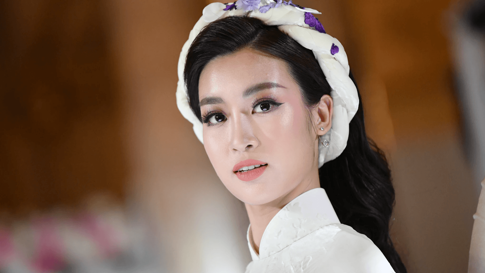 Korean Beauty Standards — Are Korean Eyes, V-Shape Face and Glass Skin for you?